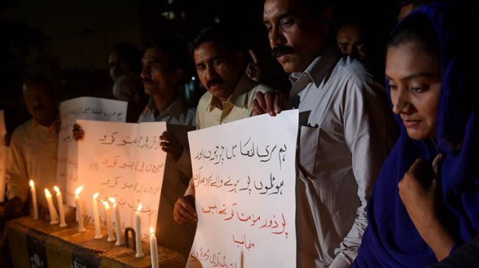 Ningún mexicano resultó afectado en atentados de Sri Lanka: SRE - Rezos en memoria de las víctimas de atentados en Sri Lanka. Foto de AFP / Rizwan Tabassum
