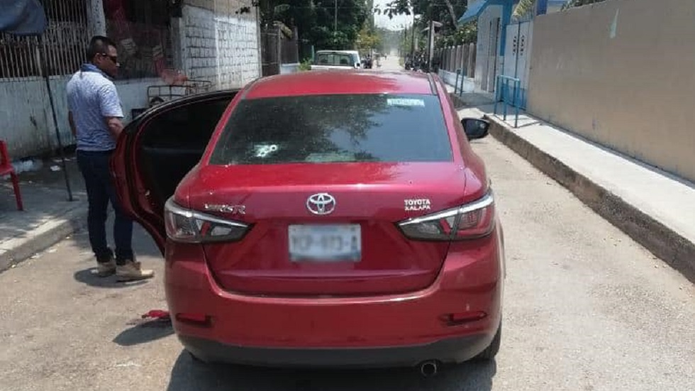 Toyota Yaris en el que viajaban los agresores. Foto de SSP Veracruz