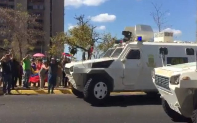 En Venezuela ya no pueden coexistir dos presidentes: Zovatto - enfrentamiento venezuela presidentes zovatto