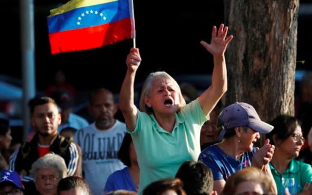 Liberan a diputados venezolanos detenidos durante protesta - Foto de Google News