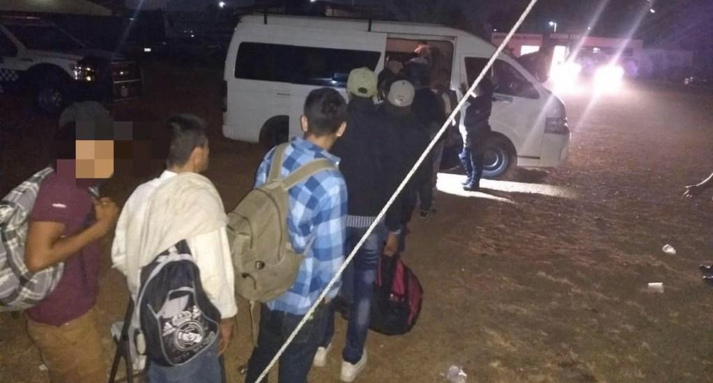 Rescatan en Veracruz a 60 migrantes y detienen a seis - Foto de SSP Veracruz