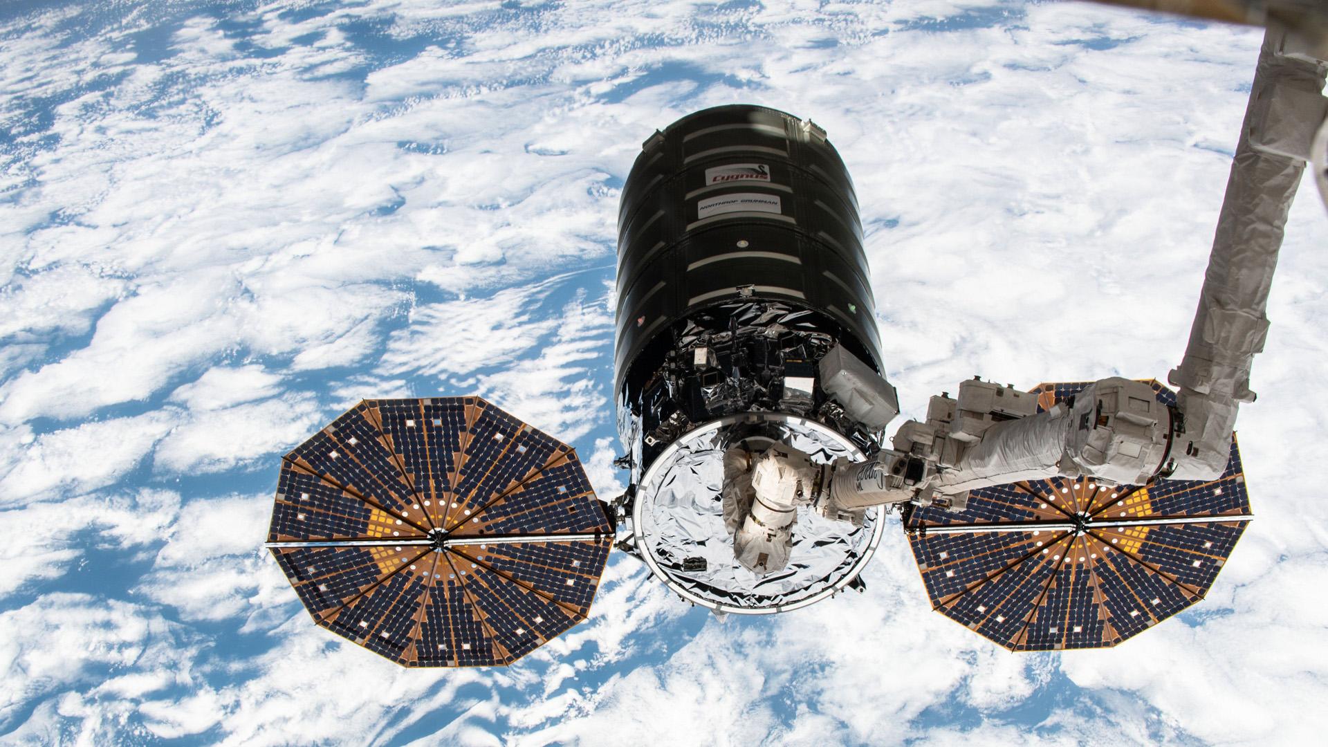 Viaje de la nave Cygnus a la Estación Espacial Internacional. Foto de @Space_Station
