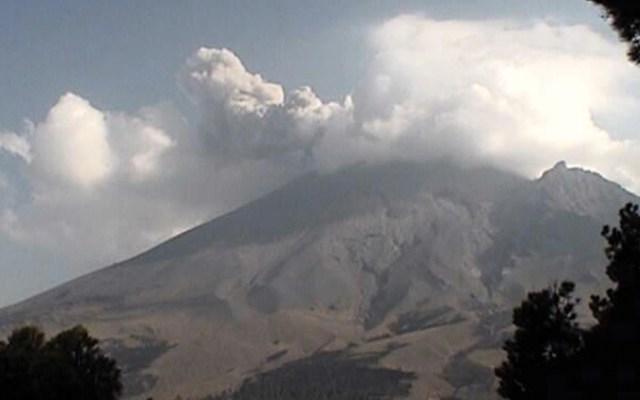 Continúa actividad del volcán Popocatépetl - Foto de Cenapred