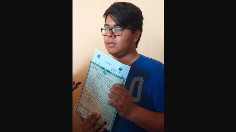 Expiden primer acta de nacimiento para persona transgénero en Yucatán - Foto de @CambiodelSte