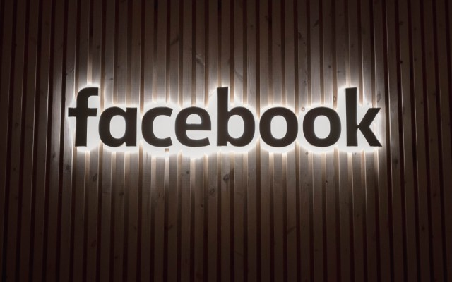 Facebook cierra 23 cuentas en Italia por noticias falsas - facebook cuentas italia noticias falsas