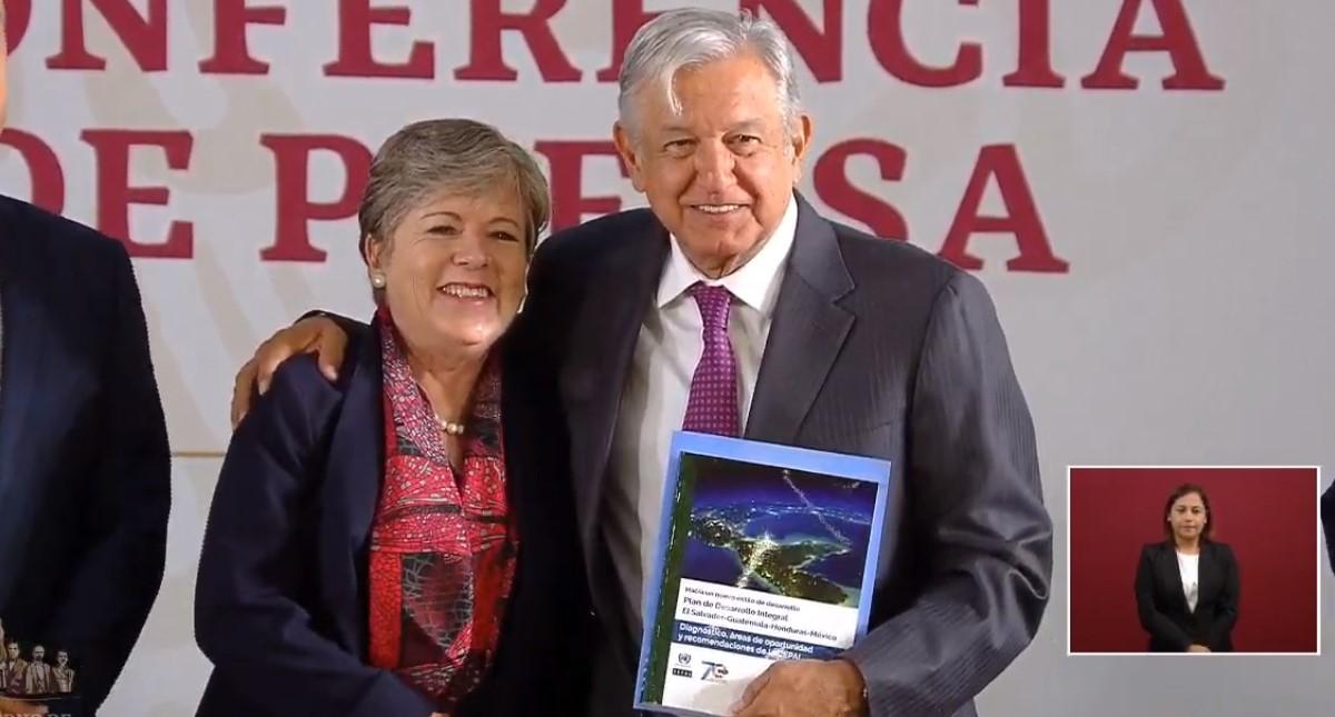 AMLO con Alicia Bárcena de la CEPAL. Captura de pantalla