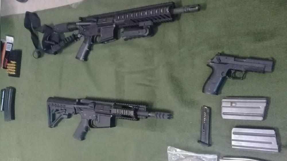 Aseguran 1.3 mdd y armas en bodega de Oxxo en Sonora - armas bodega oxxo sonora