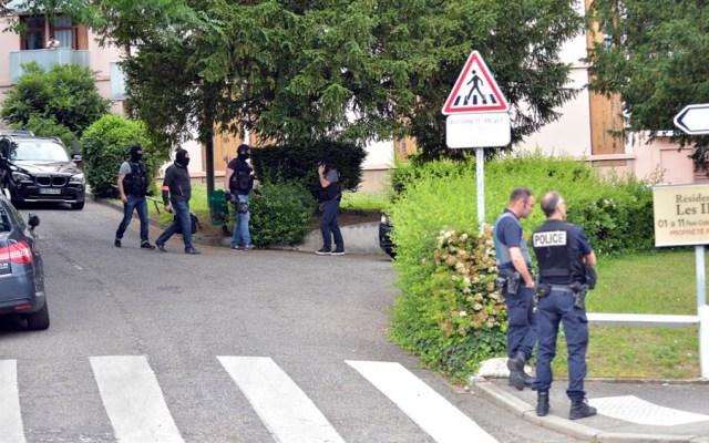 Detienen a sospechoso y a sus padres por explosión en Lyon - atentado lyon
