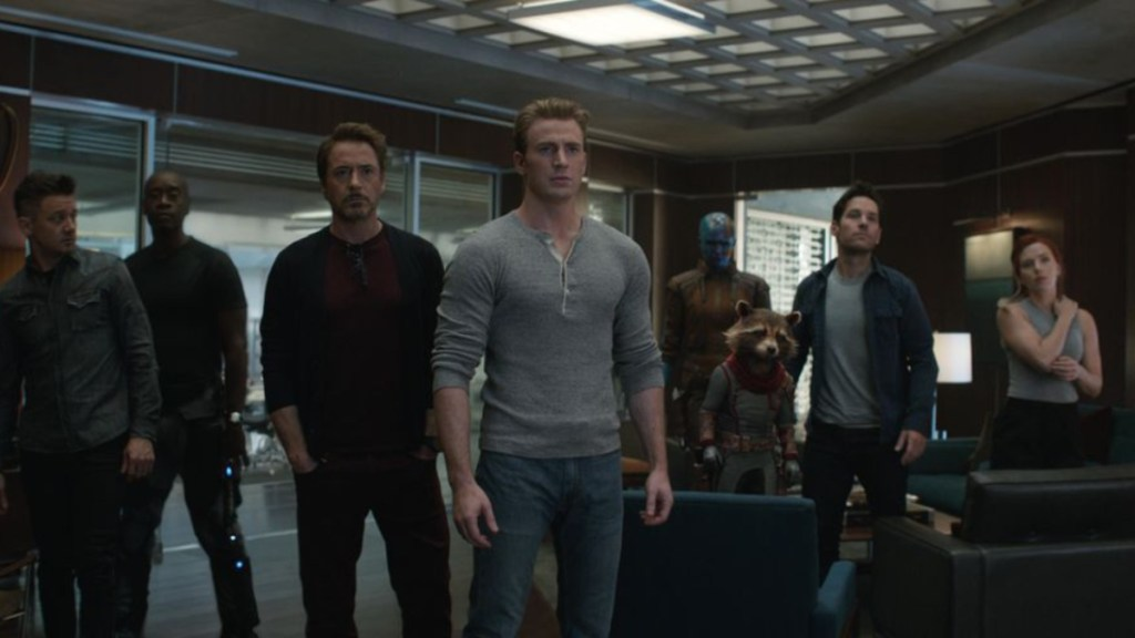 """Avengers: Endgame"" resiste a ""Detective Pikachu"" en la cima de la taquilla - avengers: endgame se mantiene en la cima de la taquilla"