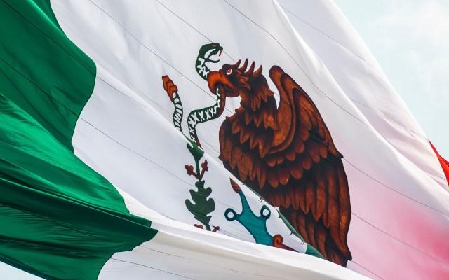 México destaca en organismos internacionales pese a visión presidencial - Bandera de México. Foto de Jorge Aguilar / Unsplash