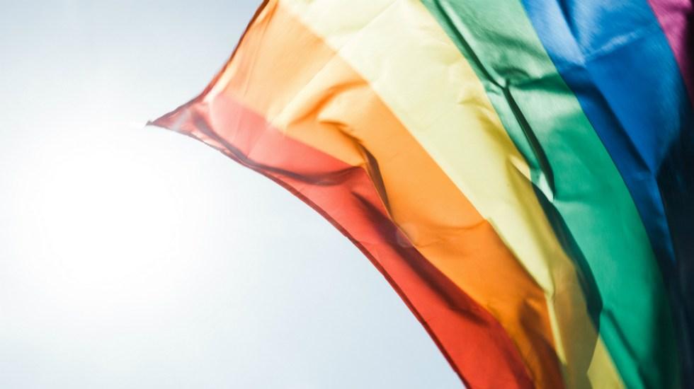 Saluda ONU-DH decisión de SRE de celebrar matrimonios igualitarios en consulados - bandera gay matrimonio