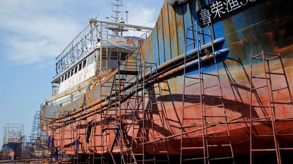 Fuga de dióxido de carbono deja 10 muertos y 19 heridos en China - Barco carguero en reparación. Foto de Times of India