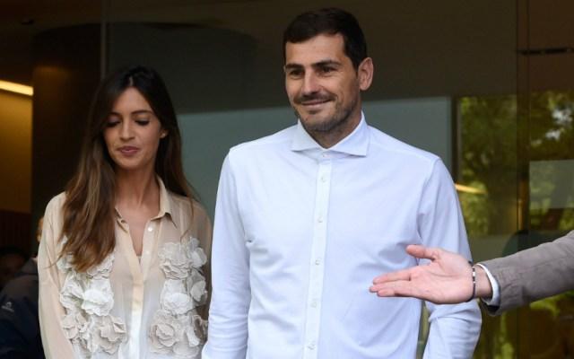 Iker está bien y tranquilo: Sara Carbonero - Foto de AFP