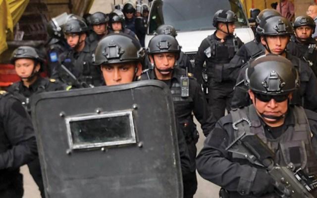 Detienen a 14 tras cateo en Tepito - Foto de @vialhermes