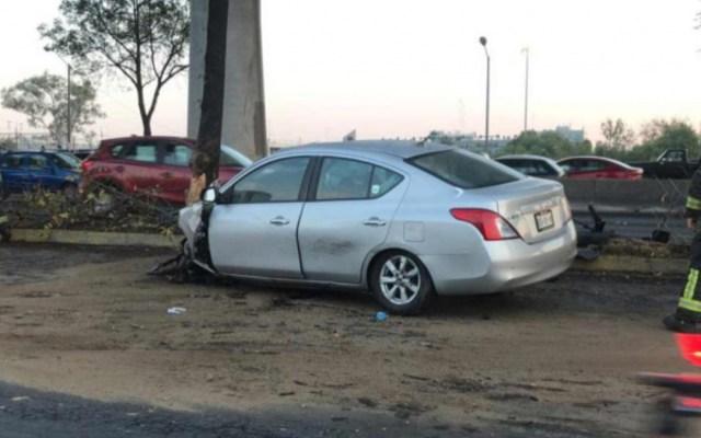 Automovilista muere al chocar con árbol en Periférico Sur - muere automovilista periférico sur