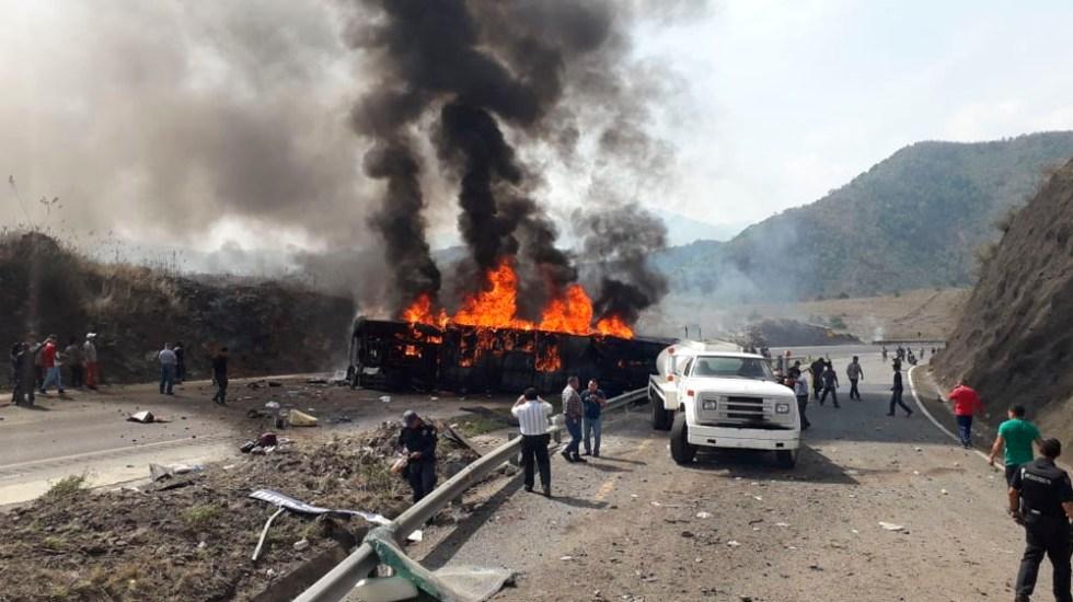 Choque entre autobús y tráiler en Veracruz deja al menos 21 muertos - choque tráiler veracruz