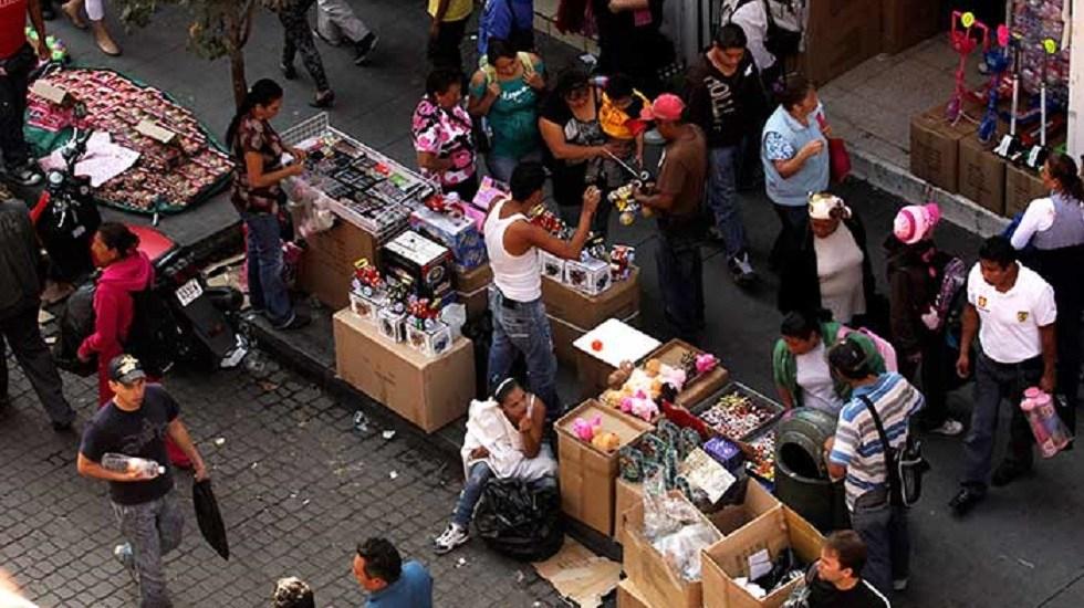 Aumenta informalidad en México - Comercio informal. Foto de econsulta