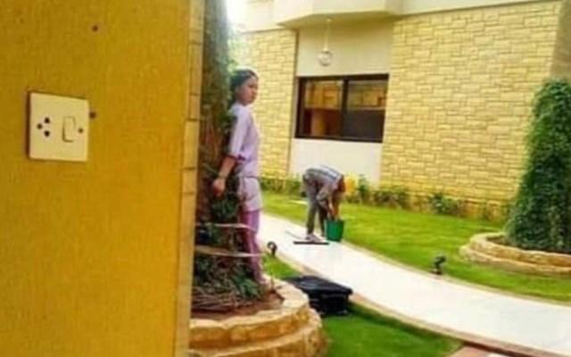 Atan a empleada doméstica por dejar mueble bajo el sol - Foto de Viral Press