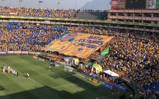 Tigres realiza homenaje a Batocletti en el Universitario - Foto de @TigresOficial