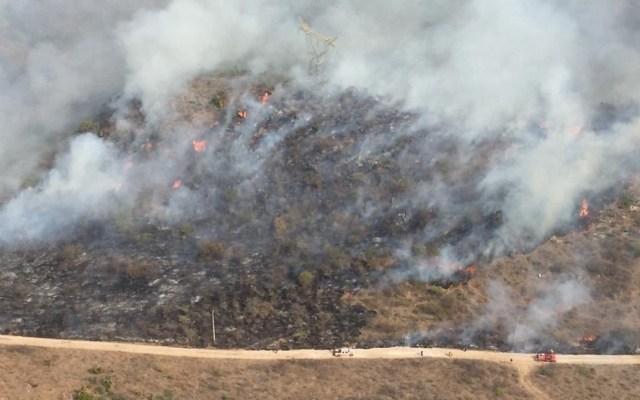Limitan actividad escolar en Chilpancingo por incendio forestal - Incendio forestal en Chilpancingo. Foto de @HectorAstudillo