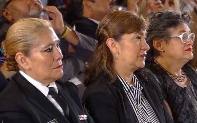 AMLO lamenta dolor de madres víctimas de la violencia o con hijos desaparecidos - Madres invitadas a conferencia de prensa de AMLO. Captura de pantalla
