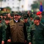 """Maduro ordena capturar a cualquier """"traidor"""" en la Fuerza Armada - maduro militares venezuela"""