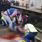 Vagón del Metro golpea a mujer en la cabeza