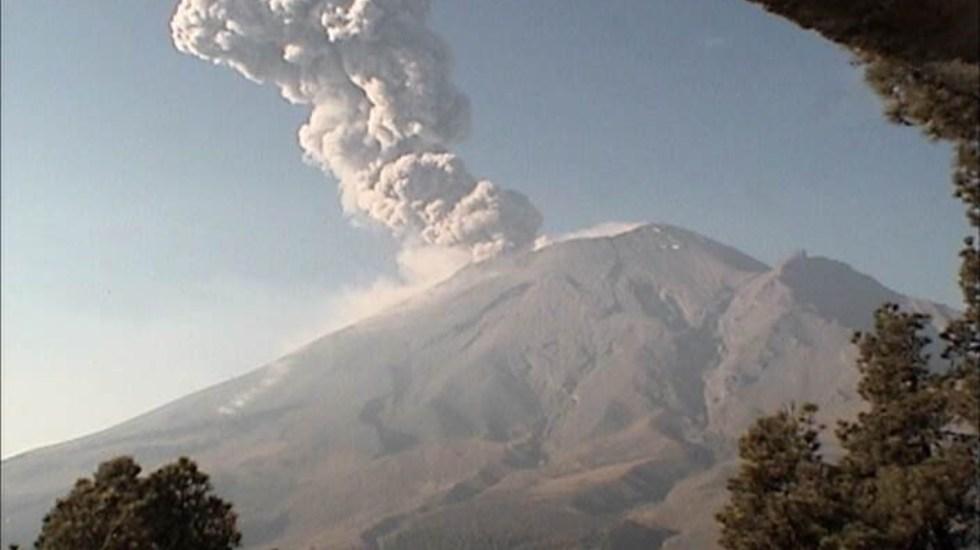 Explosión moderada del Popocatépetl - explosión volcán popocatépetl