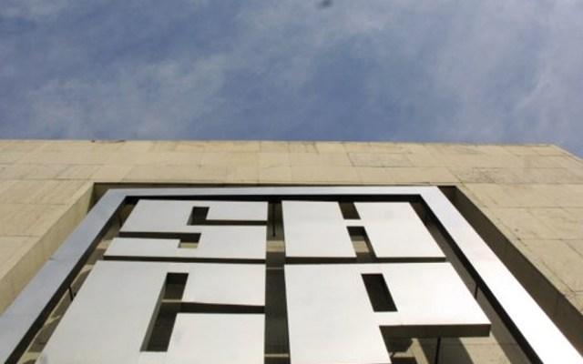 No más contrataciones en el Gobierno Federal. Hacienda emite lineamientos de austeridad - Vista del logo de la Secretaría de Hacienda