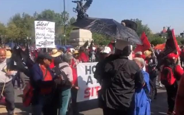 Sindicatos marchan al Zócalo con motivo del Día del Trabajo - Sindicatos marcha zocalo día del trabajo