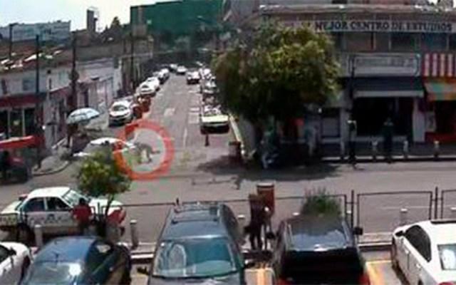 #Video Taxista arrolla a Tránsito y huye en Toluca - taxista tránsito toluca