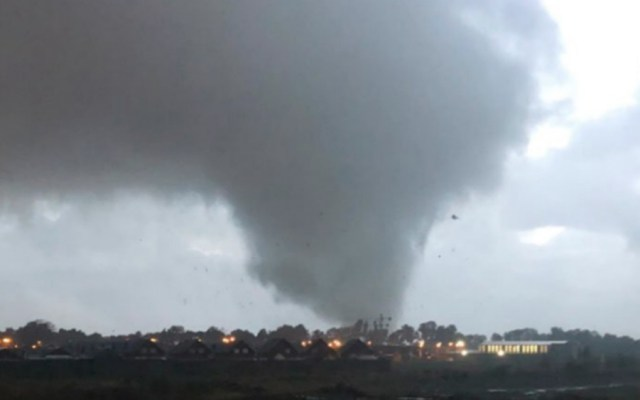 Inusual tornado causa estragos en el sur de Chile - Foto de @ElDoce