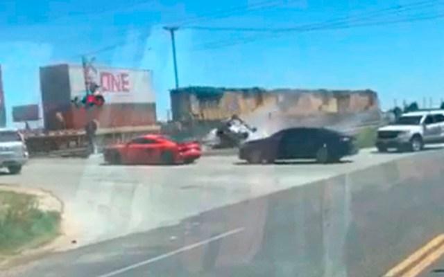 #Video Tren vuelca camioneta en Texas - tren camioneta texas