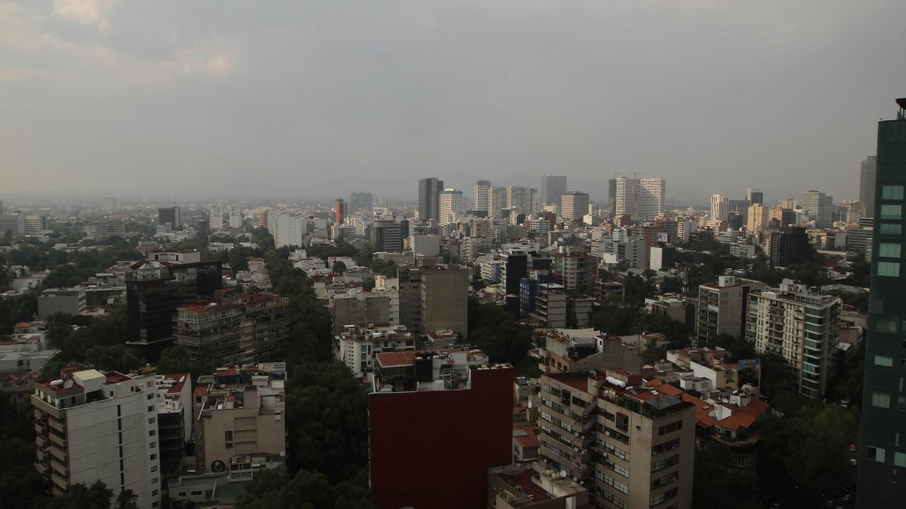 Desmienten autoridades emitir alertas por contaminación - El Valle de México. Foto de Notimex.