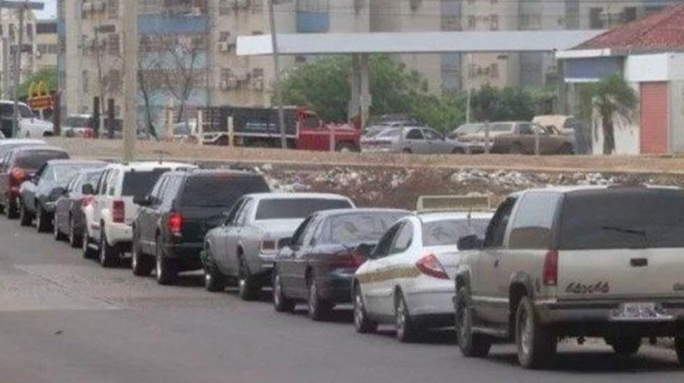 Venezolanos hacen filas de varios días para surtirse de gasolina - gasolina venezuela