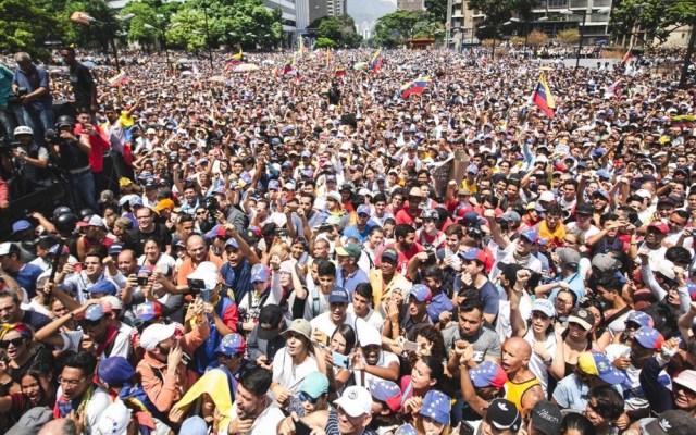 Juan Guaidó exhorta a militares a ponerse del lado del pueblo - Juan Guaidó Militares