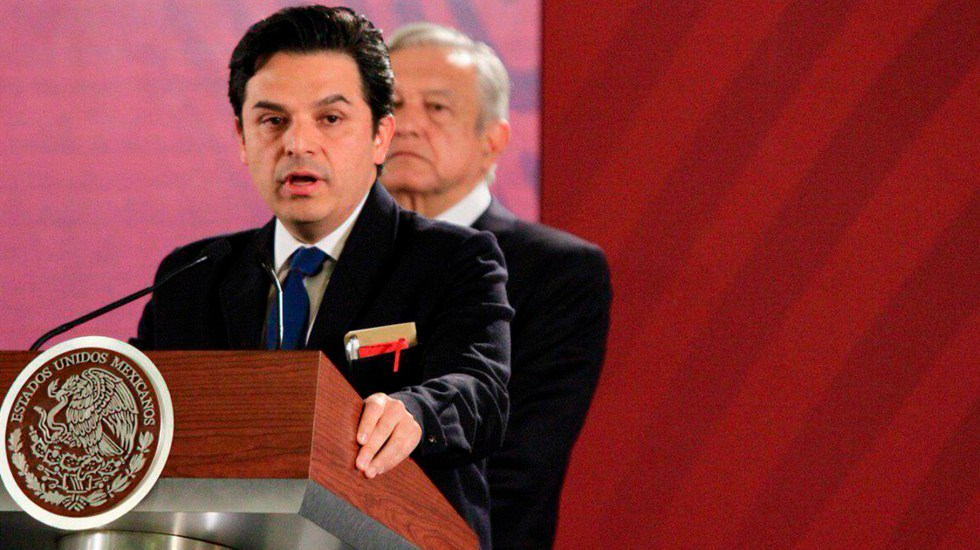 Zoé Robledo promete eficiencia en el gasto del IMSS - Zoé Robledo y Andrés Manuel López Obrador. Foto de Javier Lira / Notimex.