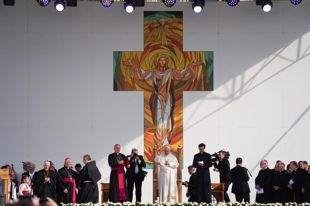 papa francisco rumania