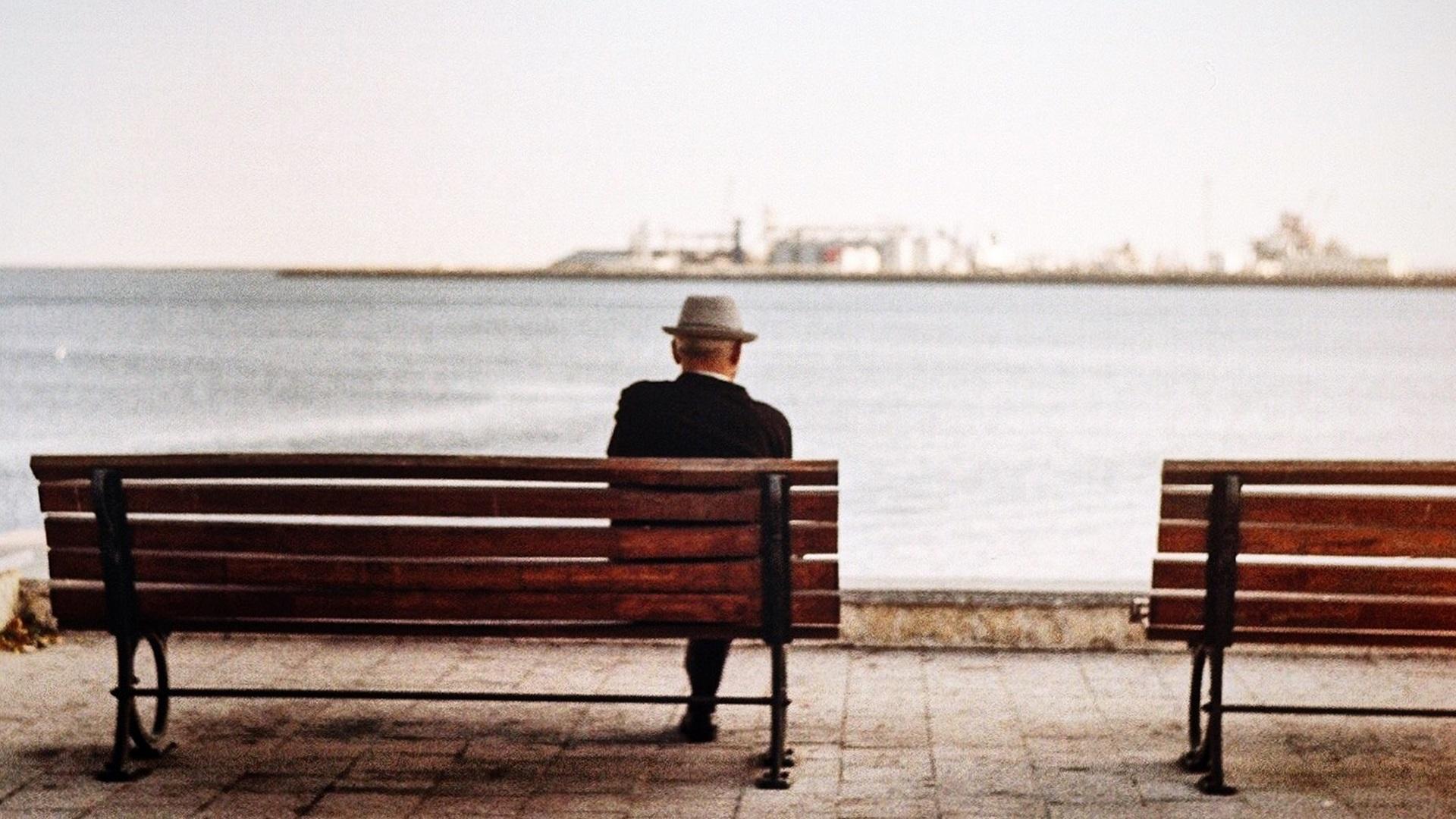 Científicos de Pfizer hallaron en 2015 que un medicamento contra la artritis prevendría el Alzheimer. Foto de Diana Spatariu / Unsplash