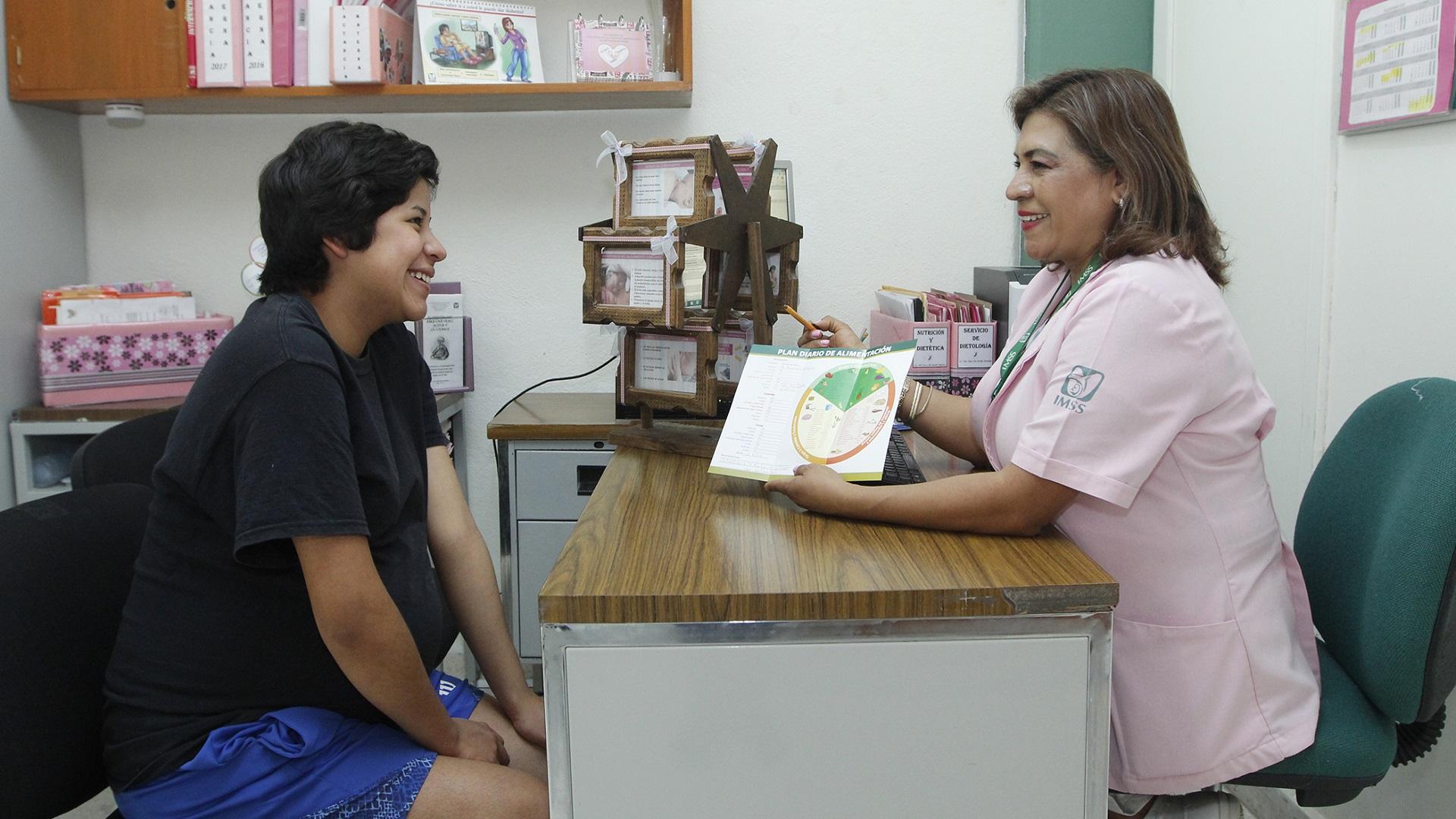 Atención médica en el Seguro Social. Foto de IMSS