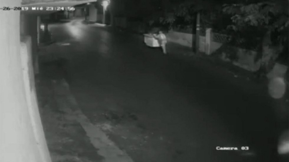 #Video Camioneta arrolla y mata a vendedor de elotes en Cuernavaca - Foto de Quadratín