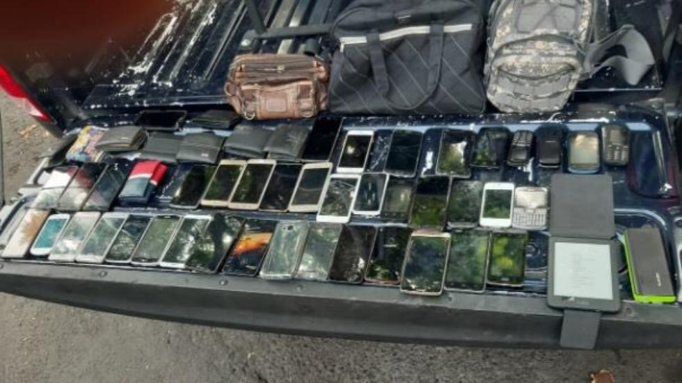 Detienen a cinco con 42 celulares tras asaltar a pasajeros en Xochimilco. Noticias en tiempo real
