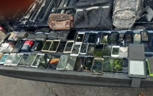 Detienen a cinco con 42 celulares tras asaltar a pasajeros en Xochimilco - Celulares Xochimilco asalto celulares