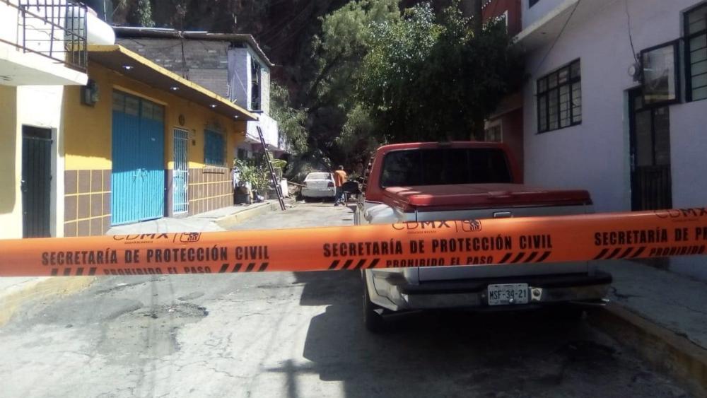Apoyarán a familias en Iztapalapa por posible deslave en Cerro del Peñón - Foto de @canal6tv