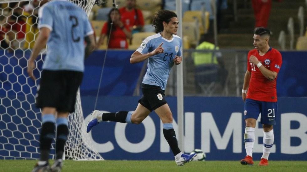 Con gol de Cavani, Uruguay se lleva el Grupo C de la Copa América - Foto de AFP