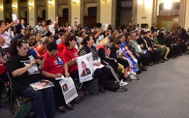 Gobierno invertirá 410 millones de pesos para atender emergencia forense - Familiares de desaparecidos. Foto de @A_Encinas_R