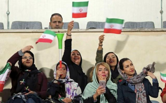 FIFA exige a Irán permitir entrada de mujeres a estadios - FIFA mujeres Irán
