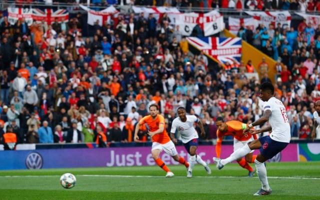 Enfrentamiento entre aficionados ingleses deja cuatro heridos en Alemania - ingleses