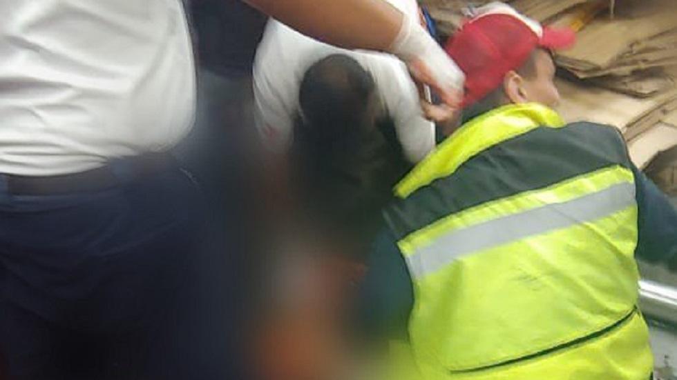 Empleado pierde un brazo y una pierna al caerle elevador en la CDMX - Joven trasladado a hospital por amputación de brazo y pierna. Foto de @ciemergencias