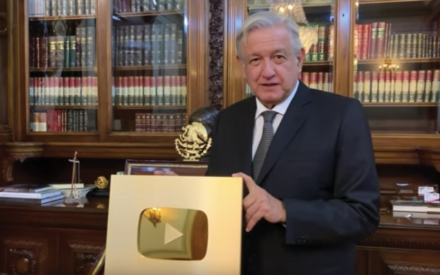 #Video AMLO recibe botón de oro de YouTube - Captura de pantalla